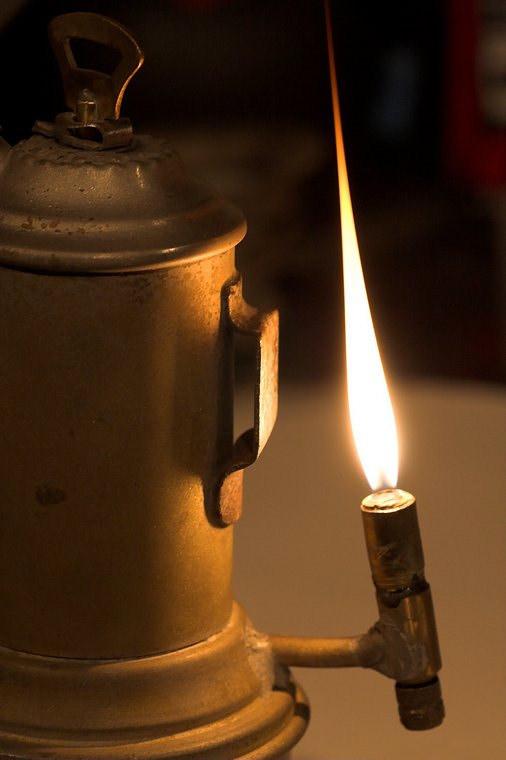 Lampa de carbid
